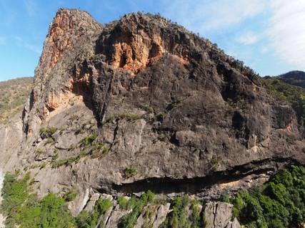 24 Evolution, 265m Trad climb in Bungonia Gorge | theCrag